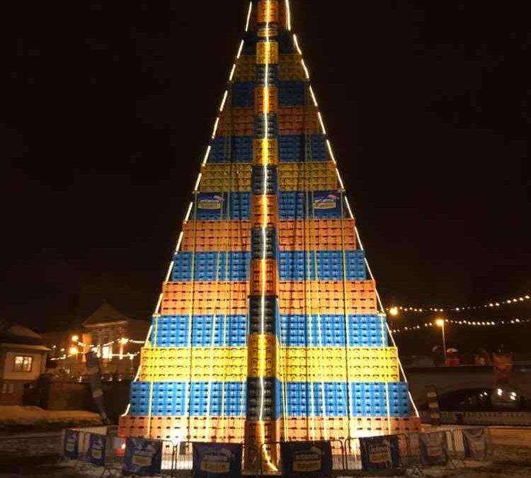 Statik für größten Bierkasten-Christbaum – Weltrekord!